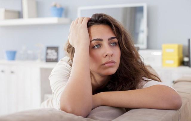 Căng thẳng là một trong những nguyên nhân gây ra chứng đau khi yêu của phụ nữ