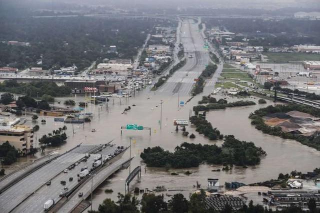 Tin nhắn báo động sẽ được gửi đi trong các trường hợp thời tiết cực đoan, thảm họa tự nhiên, trẻ em mất tích hoặc tình huống về an ninh công cộng. Ảnh: AP .