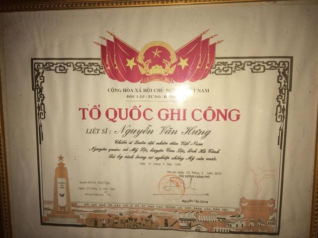 Bằng Tổ quốc ghi công của liệt sĩ Nguyễn Văn Hưng