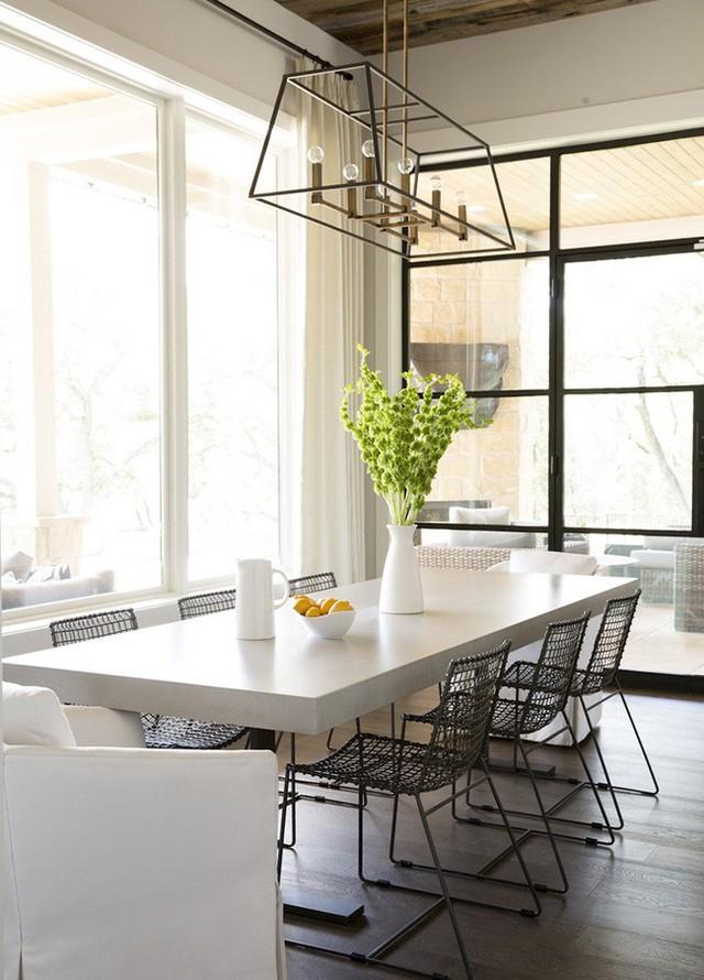 Bạn có thể tham khảo để kết hợp bàn ăn và ghế một cách ấn tượng nhất.
