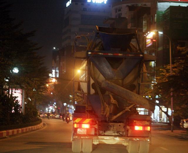 Chiếc xe chạy theo các lộ trình gồm: Trung Kính - Phạm Văn Bạch - Trần Thái Tông - Trần Đăng Ninh - Nguyễn Khánh Toàn - Đào Tấn.