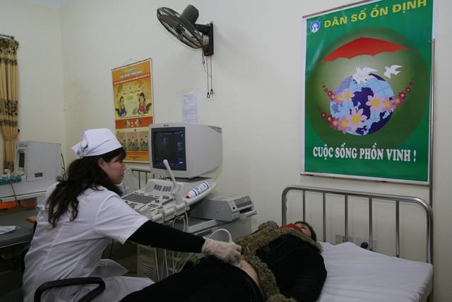 Tầm soát, chẩn đoán, điều trị sớm bệnh trước sinh là yếu tố quan trọng nâng cao chất lượng dân số. Ảnh: Chí Cường