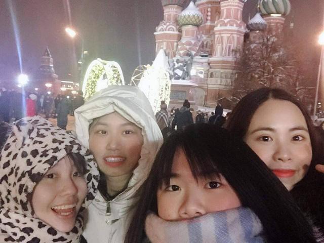 Du học sinh ở Nga hòa mình đón Tết Nga. Ảnh: T.D