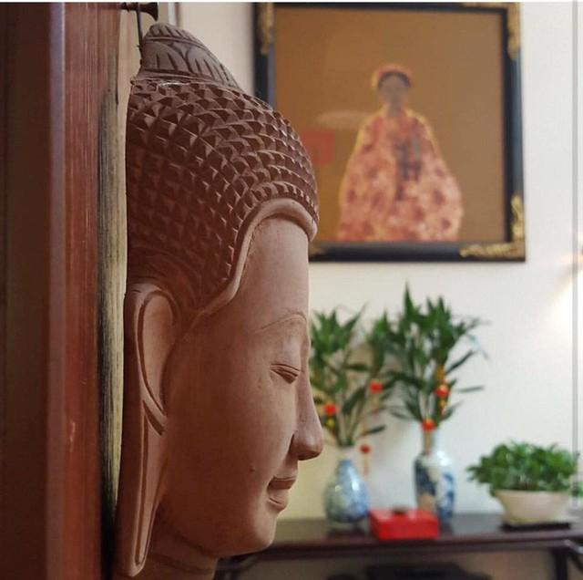 Tượng Phật mang bình yên vào nhà.
