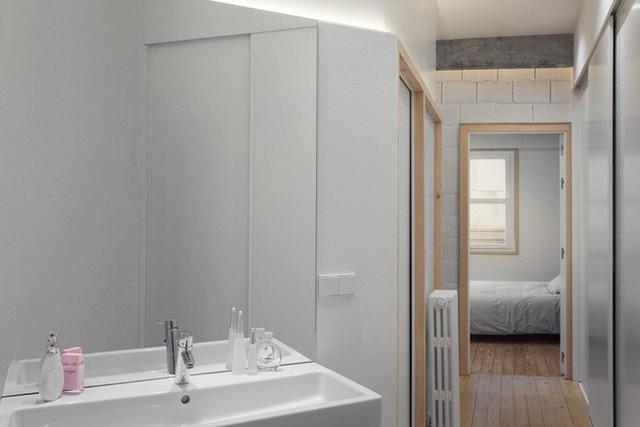 Ngoài thiết kế không gian phụ có điểm đặc biệt đó ra, những không gian khác trong ngôi nhà vẫn lấy phong cách lịch sự, trang nhã làm chủ để.