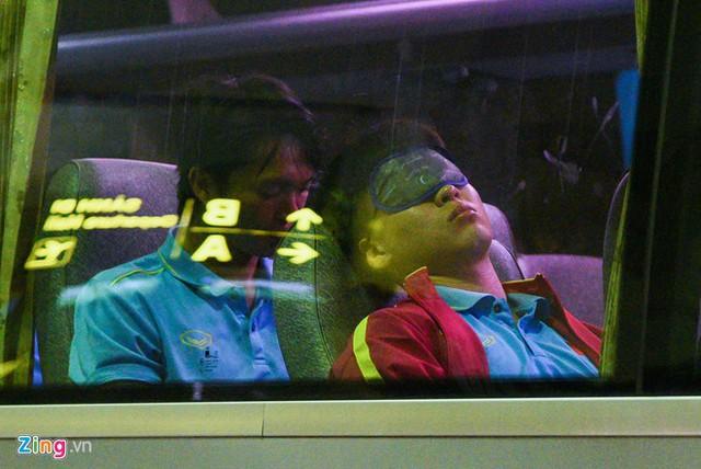 Không phải ăn mừng, đây là hình ảnh đầu tiên của tuyển Việt Nam sau chiến thắng khiến người hâm mộ cảm thương - Ảnh 4.