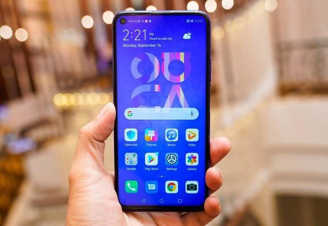 7 smartphone có bốn camera sau tại Việt Nam - Ảnh 3.