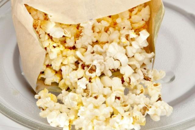 Cảnh báo: Giấy gói đồ ăn nhanh có thể làm cơ thể bạn nhiễm độc tố  - Ảnh 2.
