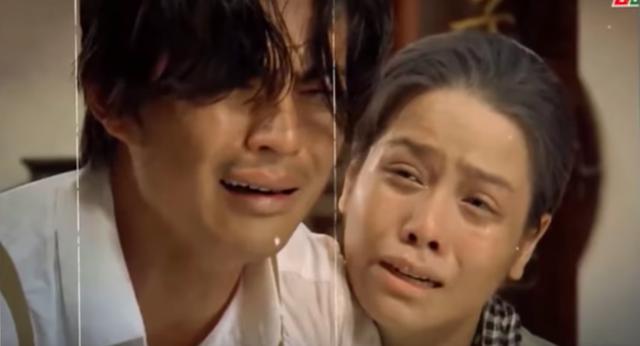 Tiếng sét trong mưa: Rò rỉ ảnh Thị Bình ôm con trai khóc nức nở, fan vỡ òa đoán chuyện ngủ với em gái bị bại lộ - Ảnh 2.