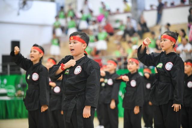 Học sinh Phú Yên tham gia hội thi thể dục và võ cổ truyền - Ảnh 2.