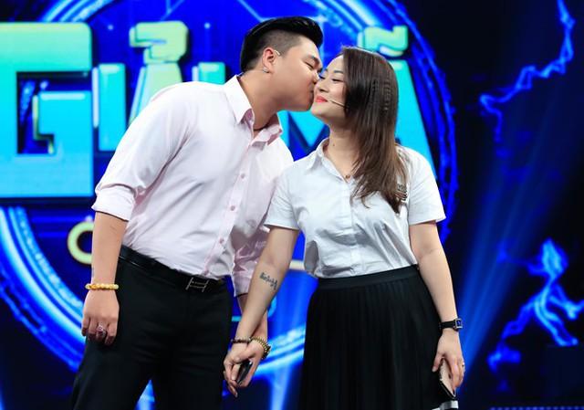 Con trai Lê Giang kể chuyện yêu vợ hơn 8 tuổi và có 2 con riêng - Ảnh 2.