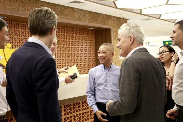 FrieslandCampina bắt tay chiến lược với Bách hóa Xanh, tham vọng đẩy mạnh thị phần - Ảnh 1.