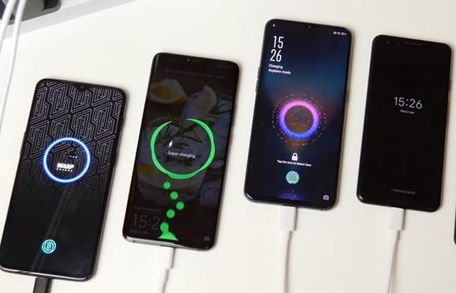 9 mẹo sạc smartphone nhanh nhất có thể khi khẩn cấp - Ảnh 2.
