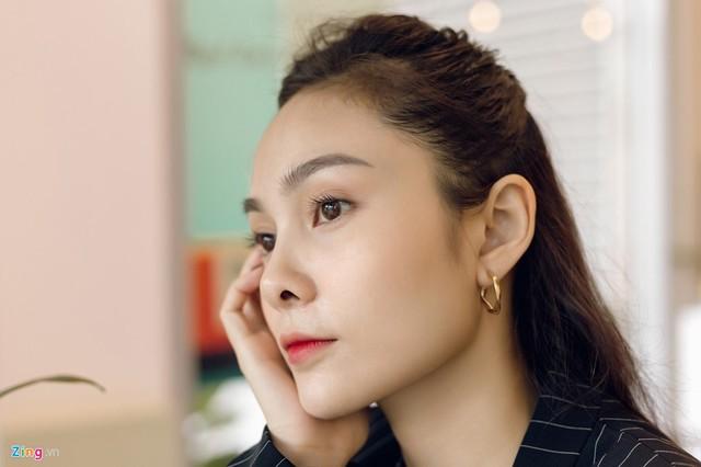 Nhan sắc đời thường chị vợ kém 11 tuổi của Dương Khắc Linh - Ảnh 2.