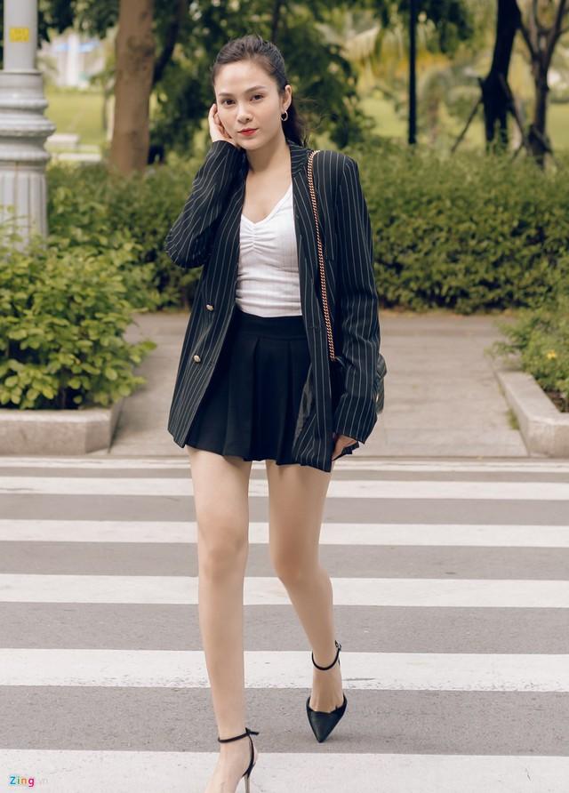 Nhan sắc đời thường chị vợ kém 11 tuổi của Dương Khắc Linh - Ảnh 9.