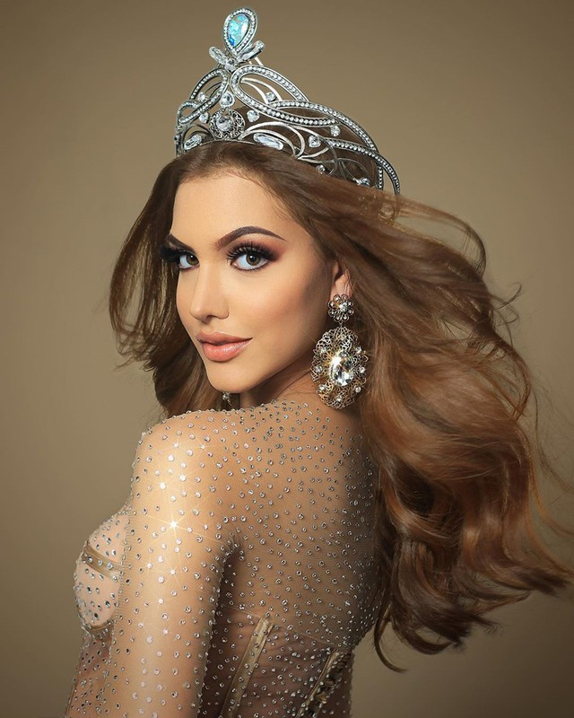 Hình thể bốc lửa của tân Hoa hậu Hòa bình 19 tuổi, cao 1,84 m - Ảnh 10.