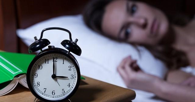 """Chuyên gia chỉ cách khắc phục căn bệnh là """"nỗi ám ảnh"""" của nhiều người mỗi khi đêm về - Ảnh 1."""