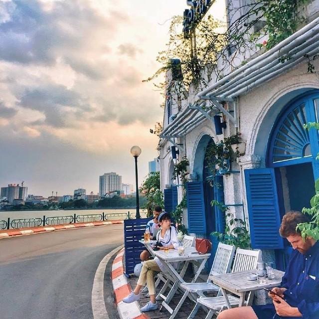 Thu sang, lang thang 5 quán cà phê view tình, đẹp nhất Hà Nội - Ảnh 16.
