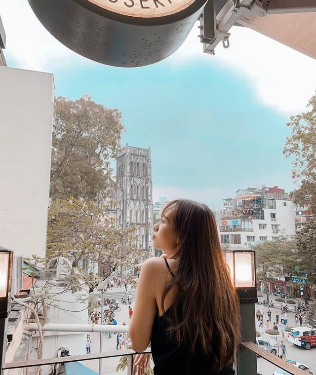 Thu sang, lang thang 5 quán cà phê view tình, đẹp nhất Hà Nội - Ảnh 8.