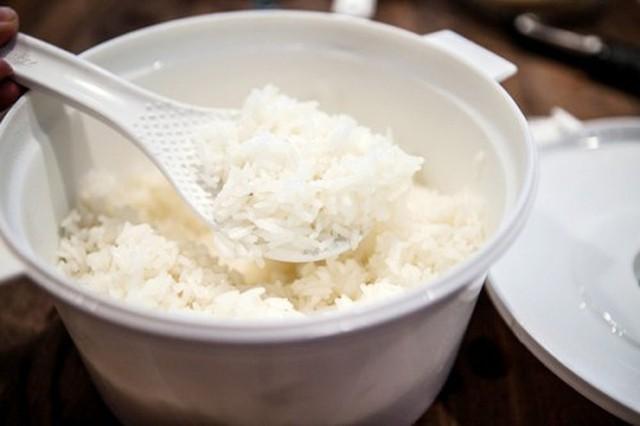 6 sai lầm khiến cơm mất hết chất dinh dưỡng khi nấu nồi cơm điện - Ảnh 4.
