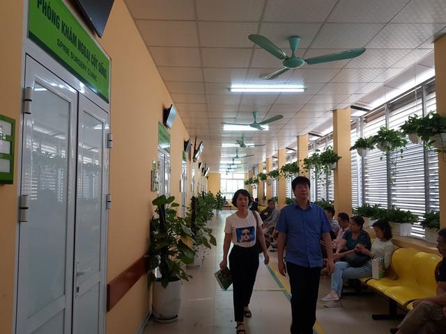 Bệnh viện sạch, mát, xanh như công viên - Ảnh 1.