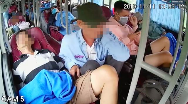 Ngủ say trên xe khách, người đàn ông không hề biết đến bàn tay xấu xí của vị khách bên cạnh - Ảnh 2.