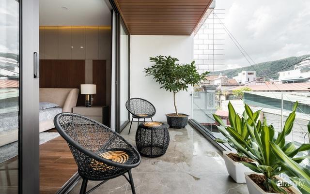 Ngôi nhà bố dành tặng con trai được thiết kế theo phong cách tối giản với những khoảng xanh bắt mắt ở Quảng Ninh - Ảnh 26.