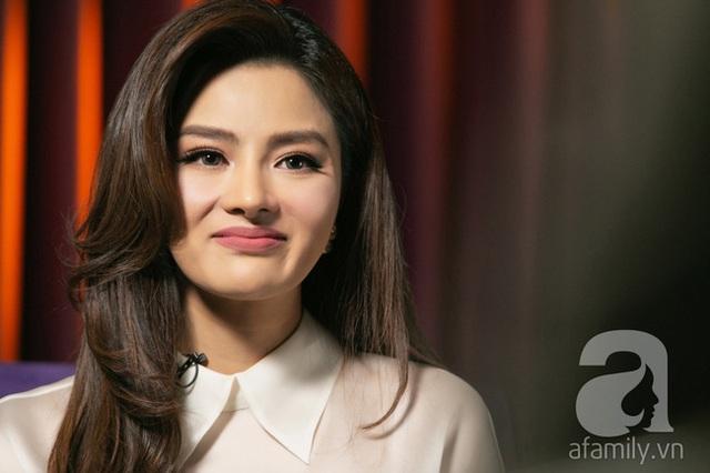 Vũ Thu Phương: Lấy chồng đại gia Campuchia, nuôi 2 con riêng, có mâu thuẫn là mời mẹ chồng - em chồng ra nói chuyện  - Ảnh 11.