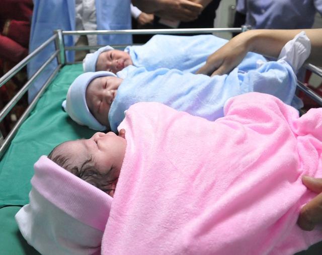 Tổng cục Dân số đang khẩn trương hoàn thiện Đề án điều chỉnh mức sinh giữa các vùng - Ảnh 1.