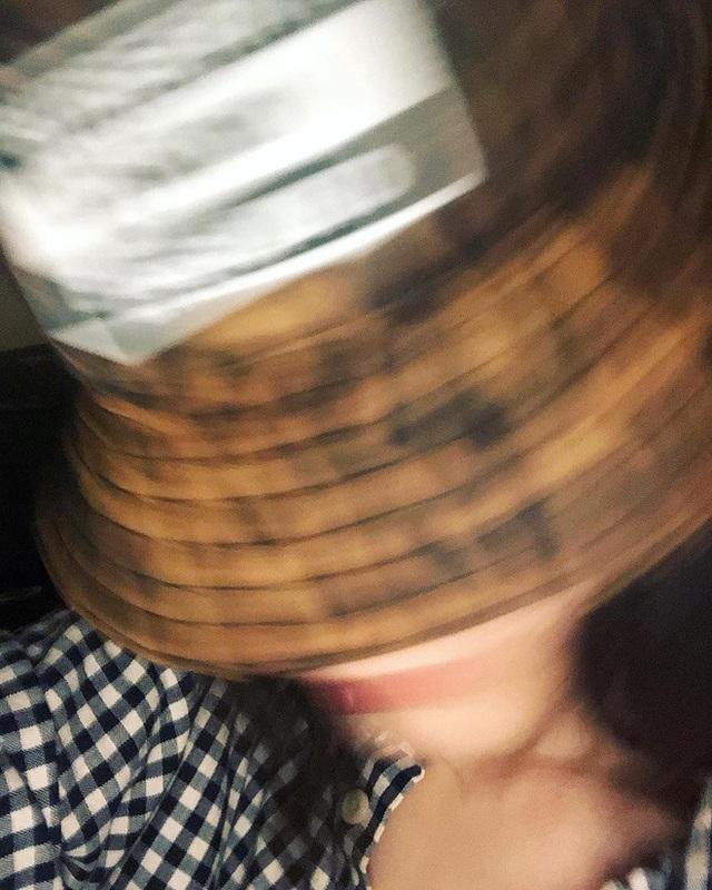Người yêu cũ Cường Đô la thường đăng ảnh che mặt sau khi bị chê xuống sắc  - Ảnh 7.