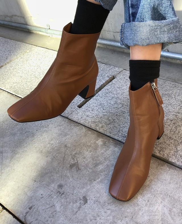 Muốn mặc đẹp không góc chết, chị em đừng sắm 4 đôi boots sau - Ảnh 6.