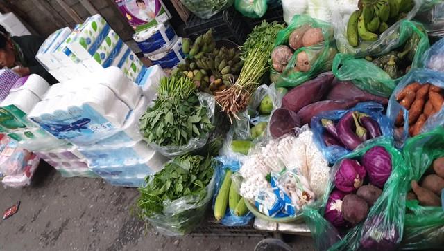 Nấm tươi bày bán la liệt ở chợ dân sinh dễ có độc tố - Ảnh 6.