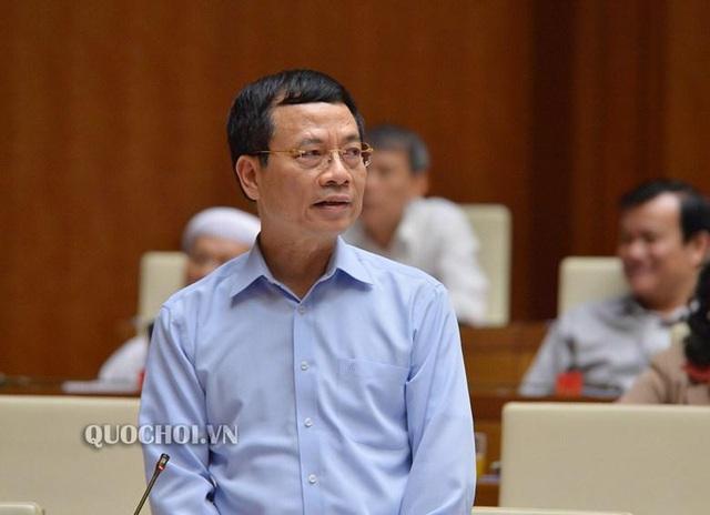 Chủ tịch Quốc hội Nguyễn Thị Kim Ngân đánh giá Bộ trưởng Nguyễn Mạnh Hùng trả lời thẳng thắn, cầu thị - Ảnh 2.