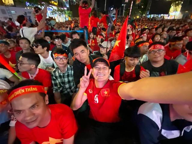 Nghệ sĩ Việt vỡ òa cảm xúc khi U22 Việt Nam viết nên lịch sử tại SEA Games 30 - Ảnh 2.