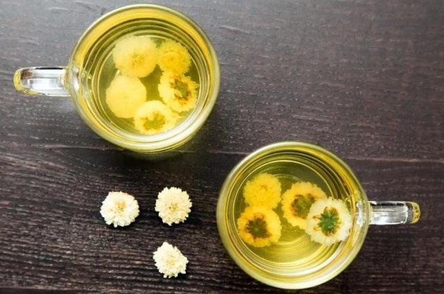 Cách uống trà hoa cúc đẹp da, giữ dáng, tốt cho sức khỏe ai cũng làm được - Ảnh 1.