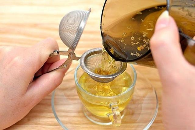 Cách uống trà hoa cúc đẹp da, giữ dáng, tốt cho sức khỏe ai cũng làm được - Ảnh 3.