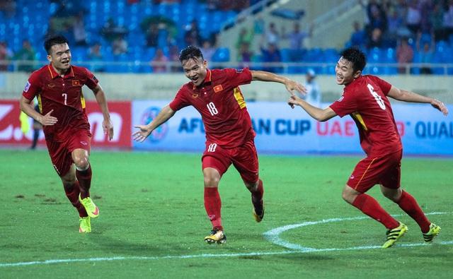 Mối thâm tình đặc biệt của hai thuyền trưởng cùng đem vinh quang về cho bóng đá Việt - Ảnh 3.
