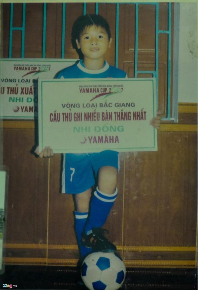 Quang Hải, Văn Hậu và các cầu thủ U22 Việt Nam được vinh danh từ bé - Ảnh 3.