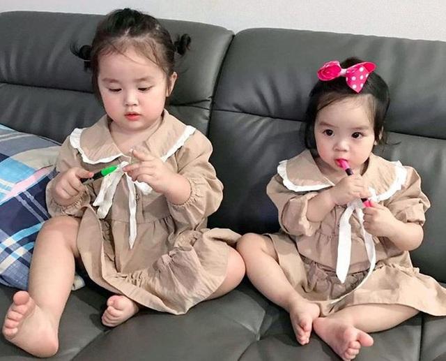 Vẻ đáng yêu của hai con gái Hoài Lâm - Ảnh 1.