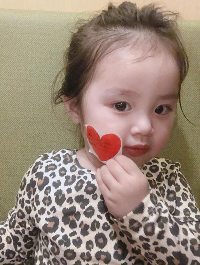 Vẻ đáng yêu của hai con gái Hoài Lâm - Ảnh 4.