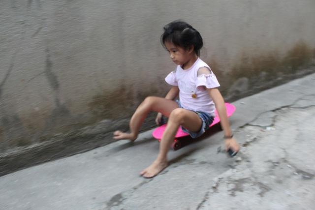 Niềm vui bất ngờ của người mẹ bệnh tật có con bị xương thủy tinh - Ảnh 3.