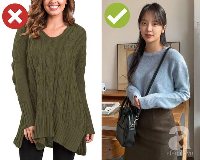 3 lỗi diện áo len nơi công sở: Nhẹ thì dìm dáng kém xinh, nặng thì kém duyên hết sức - Ảnh 2.