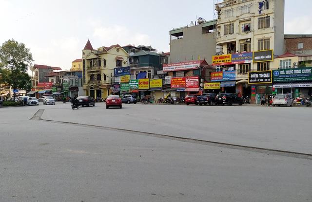 Người dân Thủ đô bức xúc vì đường phố đang đẹp bỗng dưng bị đào xới nhếch nhác dịp cận Tết - Ảnh 1.