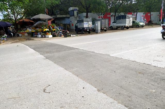 Người dân Thủ đô bức xúc vì đường phố đang đẹp bỗng dưng bị đào xới nhếch nhác dịp cận Tết - Ảnh 13.