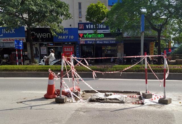 Người dân Thủ đô bức xúc vì đường phố đang đẹp bỗng dưng bị đào xới nhếch nhác dịp cận Tết - Ảnh 17.