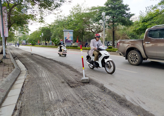 Người dân Thủ đô bức xúc vì đường phố đang đẹp bỗng dưng bị đào xới nhếch nhác dịp cận Tết - Ảnh 20.