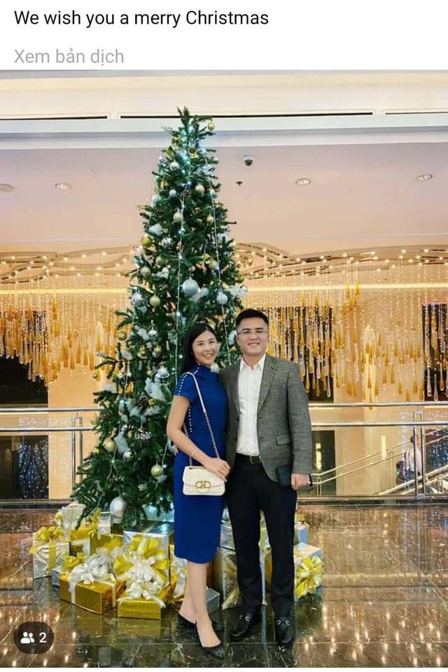 Chồng chưa cưới công khai đăng ảnh đón Giáng sinh cùng Hoa hậu Ngọc Hân - Ảnh 1.