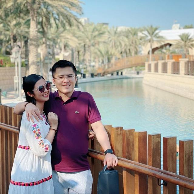 Chồng chưa cưới công khai đăng ảnh đón Giáng sinh cùng Hoa hậu Ngọc Hân - Ảnh 3.