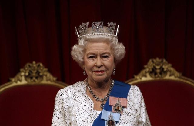 10 khoảnh khắc đã thay đổi Hoàng gia Anh mãi mãi trong một thập kỷ qua - Ảnh 3.