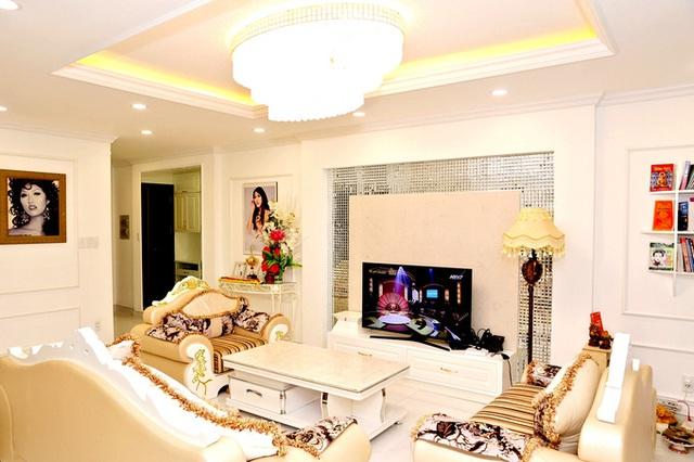 Phi Thanh Vân khoe căn hộ 200 m2 xinh xắn nhưng ai cũng chỉ chú ý đến ghế tình yêu đặt trong phòng ngủ - Ảnh 2.